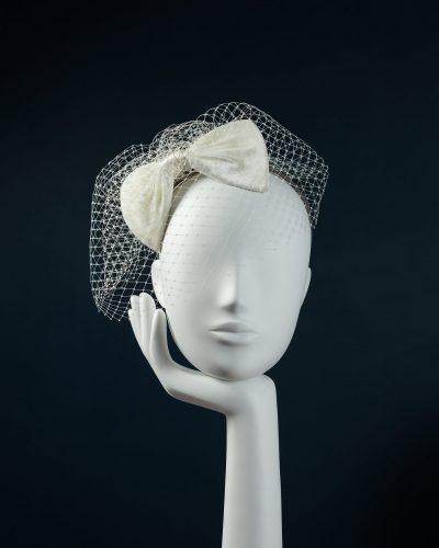 Velvet Bow with Veiling