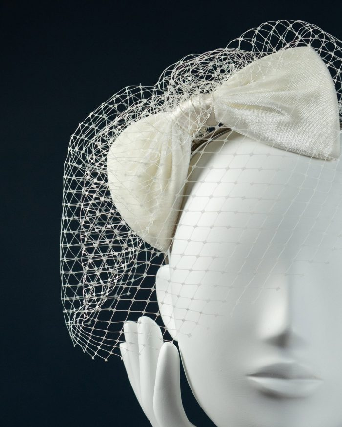 Velvet Bow with Veiling detail