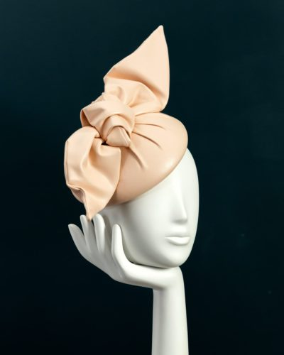 Leatherette Beret with Knot hat